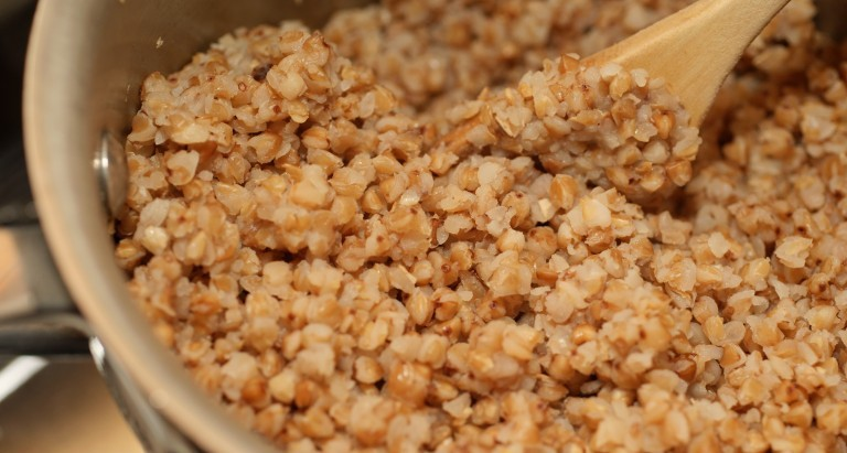 buckwheat-groats-cooked-in-pan-e1427627632222[1]